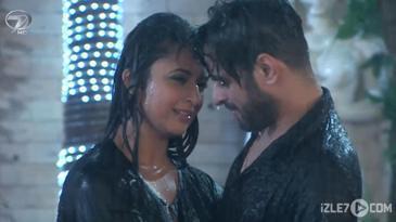 Raman ve İshita'nın Yağmur Dansı...