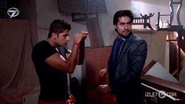 Raghav Janvi'ye Yakalandı!