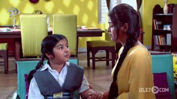 Rashi Gopi'yi Annesi Sanıyor