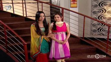 Nandini Geet'e Destek Oluyor